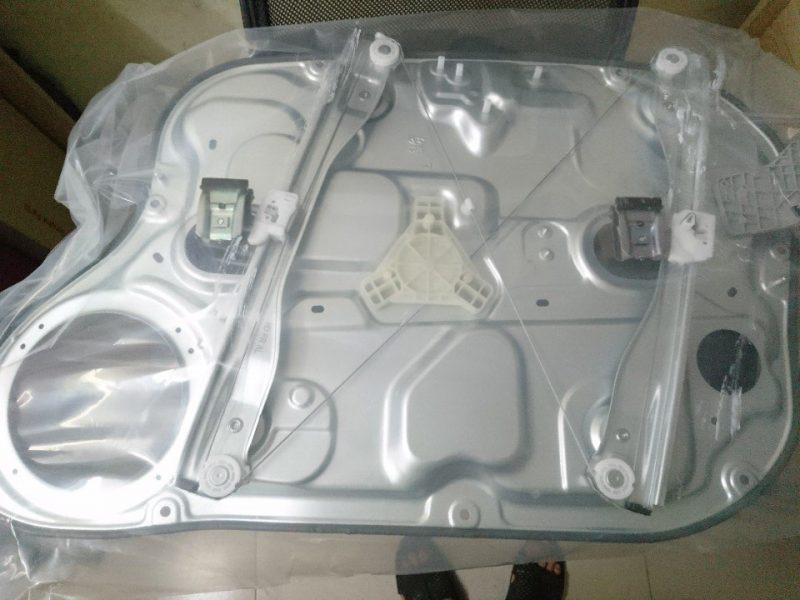 Cơ cấu lên kính cửa trước Hyundai I30